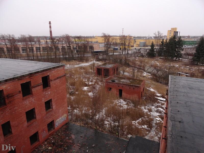 В шаговой доступности находится екатерининский дворец.